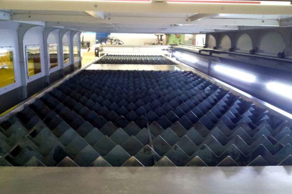 laser01F1A6CA1A-E604-AF93-7E6D-B42A63A238A3.jpg